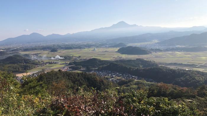鳥取県南部町の母塚山から大山を望む景色